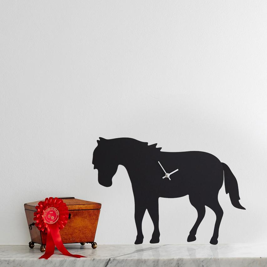 The Labrador Co.-Pony Clock 1